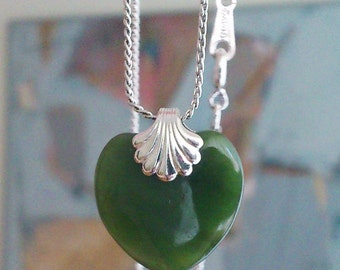 Vintage Green Jade Heart Pendant Sterling Silver 925 Necklace