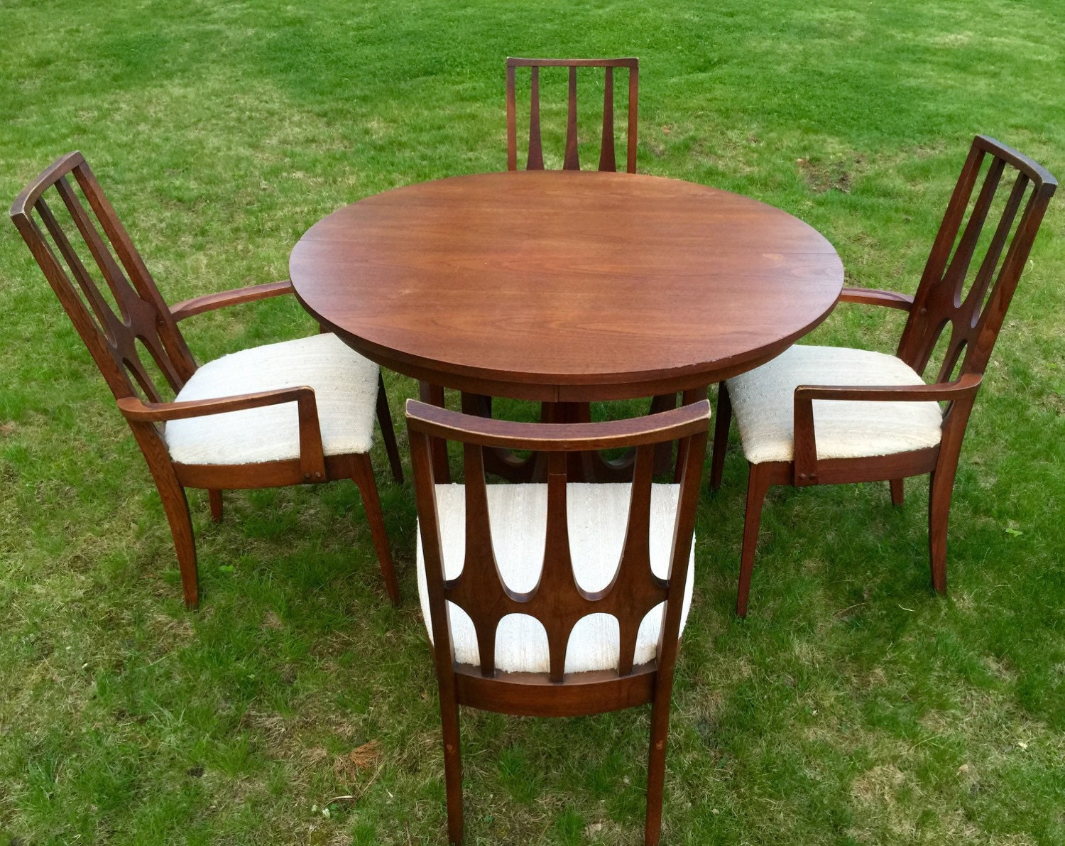 Broyhill Brasilia Dining Table Four Chairs Mid By MidcenTree
