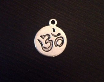 Tibetan Silver Round Om Charms Jewelry Making 15 pieces
