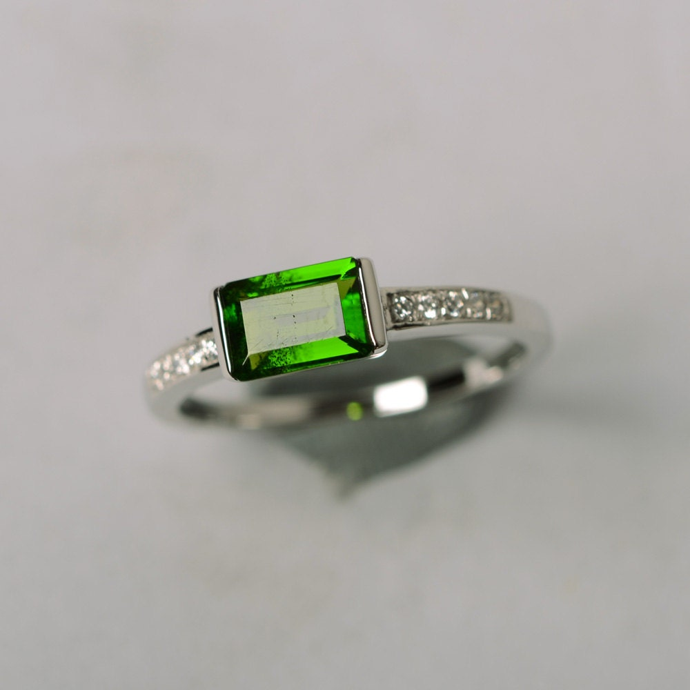 diopside ring emerald cut ring green gemstone sterling