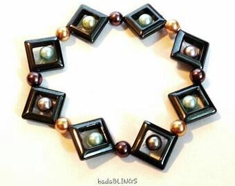 Stretch beaded bracelet, pastel beaded bracelet, square bracelet, geometric bracelet, hematite bracelet, stretch bracelet, casual bracelet