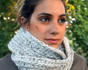 Infinity circle scarf, infinity circle, knit scarf MP019