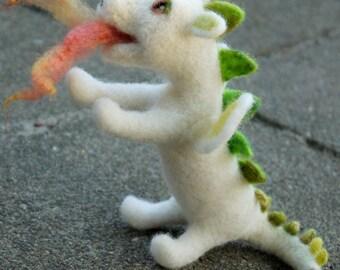 needle felted dragon, waldorf dragon, felt white dragon, felted fairytale. lucky dragon, white dragon, miniature dragon, fairytale sculpture