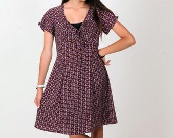 Super cute flower patterned vintage dress