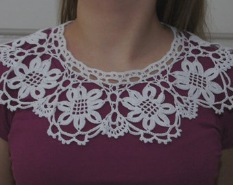 Handmade crochet lace collar. 100% cotton.  White collar. Crochet necklace.