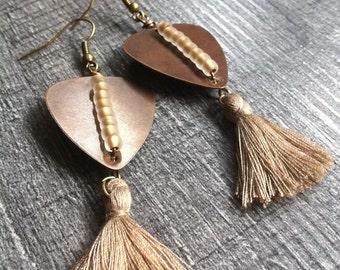 Dangling earrings PomPoms, metal and rubbles ~ picks ~