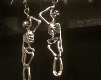 Hanging Skelly Earrings in Silver Noose Dangles