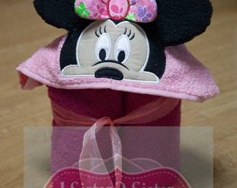 Hooded towel 3D Mouse Mrs Minnie Hooded Towel - Bow options - 3D bow and Ears - Free Personalizing Name