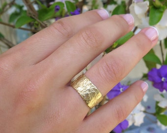 Unique Wedding band, 14K Yellow Gold ring, Textured Gold ring, Wide Gold band, Rough Ring, Rustic wedding band, Hammered Gold Ring, Raw ring