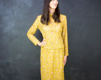 Vintage Gold two piece outfit // Floral design