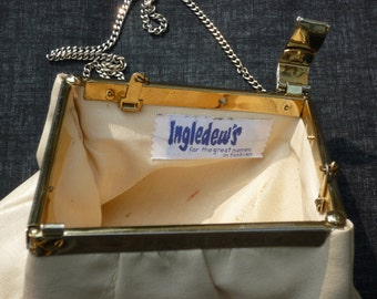 """INGLEDEWS """"for the great names in fashion"""" ivory leather snap closure shoulder strap optionally stows inside classy vintage purse handbag"""
