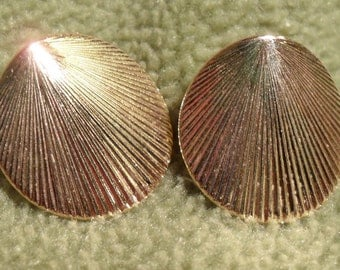 Vintage Monet Gold Shell Earrings -Brilliant Finish, Pierced
