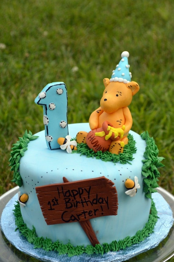 Winnie The Pooh Cake Decorating Kit