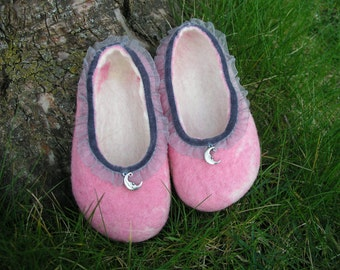 Magical felt shoes for little ballerinas
