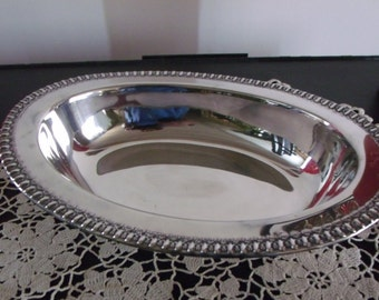 Wilcox Silverplated Vegetable Serving Bowl 7075