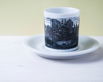 Pair of cups with landscape