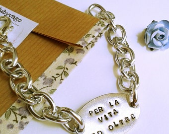 Bracelet with personalized engraving plate