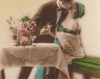 Vintage FRENCH Romantic LOVERS Postcard. Love, Couple