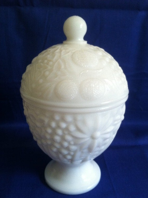 Avon White Milk Glass Candy Dish Trinket Jar by TheThriftyWren