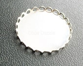 100 pcs 25mm round silver lace edge pendant trays, bezel settings, holds 1 inch cabochon, fancy setting,