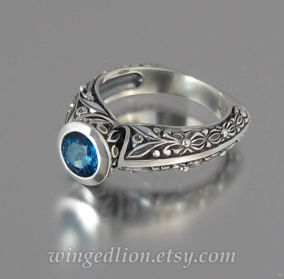 THE COUNTESS silver ring with London Blue Topaz (sizes 4 to 7)