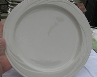 Syracuse China Cascade Restaurant Quality Plate - White 9 inch