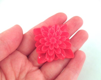 2 red square chrysanthemum mum cabochons 34mm