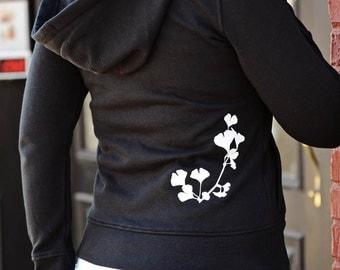 hoodie. thumb holes. zipper hoodie. womens hoodie. womens jackets & coats. zip up hoodie. yoga hoodie. yoga clothes. sweatshirt jacket