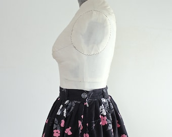 Vintage 1950s Skirt • Floral Print Skirt • 50s Cotton Skirt • 1950s Floral Skirt • 1950s Cotton Skirt • Spring Skirt • Vintage Fifties Skirt