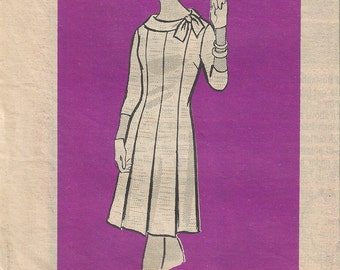 60s Marian Martin Mail Order 9388 Womens Half Size Dress Sewing Pattern Size 16.5 B37