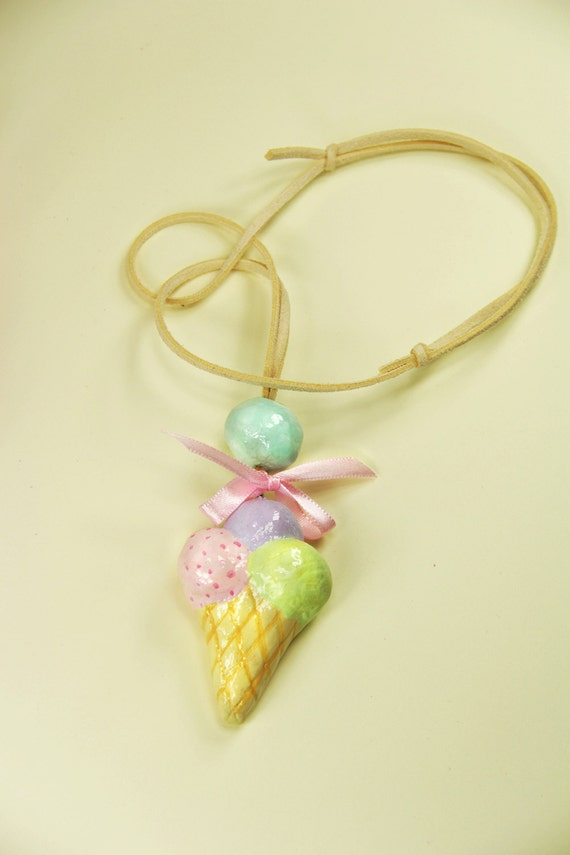 ice-cream necklace in pastel color for trendy girls