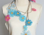 Dancing Daisy - Blue and Pink - Multicolor Paper Raffia Handmade Loom Flower Lariat