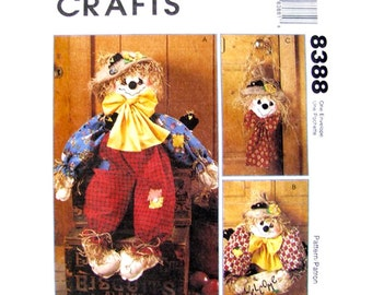 Scarecrow Craft Pattern McCall's 8388 Autumn Doll Wreath & Wall Hanging UNCUT