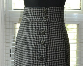 Vintage 80s Wrap Skirt - Black & Grey Houndstooth - Asymmetrical Button Front Wool Skirt - m