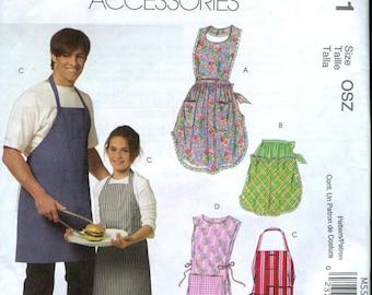 McCalls M5551 Multiple Apron styles pattern for men, women and children UNCUT Chef's, bib, tunic