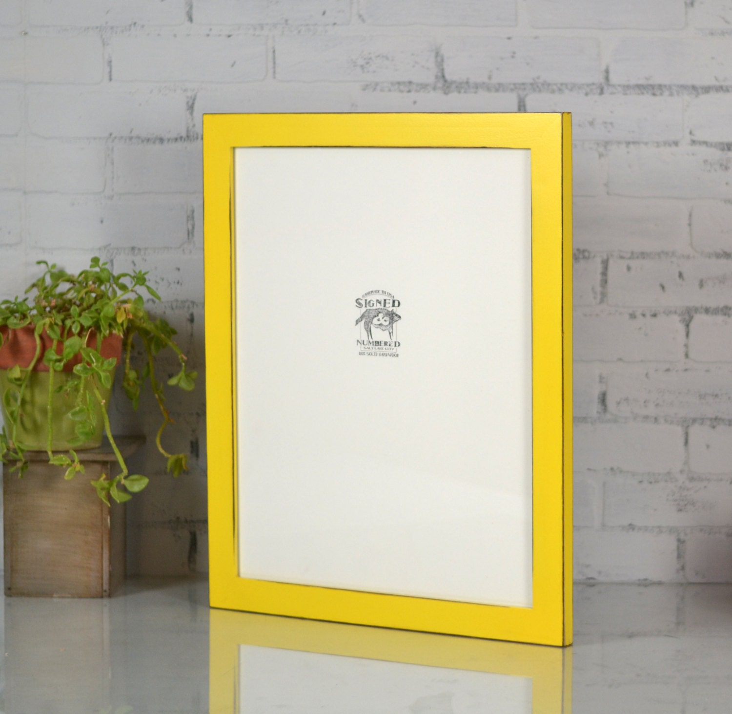 ... YOUR CHOICE - 16x20 Poster Art Frame - Traditional Wooden Frame 16x20