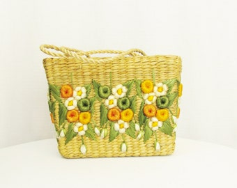 Vintage Straw Handbag with Flower Design