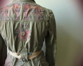 Upcycled Faded Olive Green Canvas Safari Jacket, Sustainable Clothing, Vintage Elephant Applique Boho Jacket, Gifts for Elephant Lovers