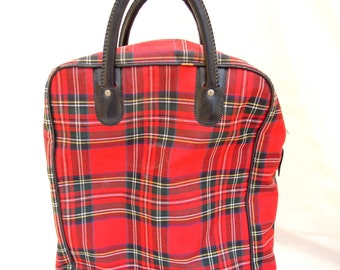vintage red plaid picnic bag.picnic.camping.beach.mountain.tote.canvas.plastic lined.tessiemay vintage
