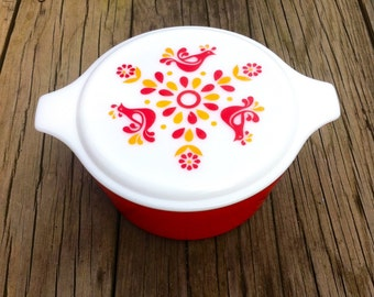 Vintage Pyrex Covered Casserole, Friendship Pattern Red, 474-B 1.5 QT.