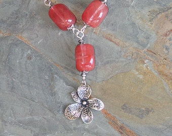 Pink Flower Necklace, Strawberry Quartz Necklace, Natural Stone Necklace, Pink Necklace, Silver Necklace, Handmade Necklace, Chunky Necklace