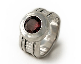 Red Garnet ring for men and women, personalised ring, Silver Engagement Ring, Spring Weddings,Garnet Jewelry, Fine Jewelry, Birthstone Ring