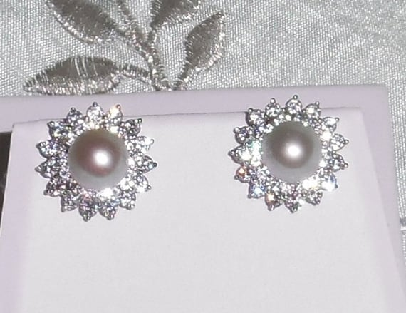 10mm Natural Silver Gary Freshwater Cultured Pearls, 18kt white gold stud pierced earrings