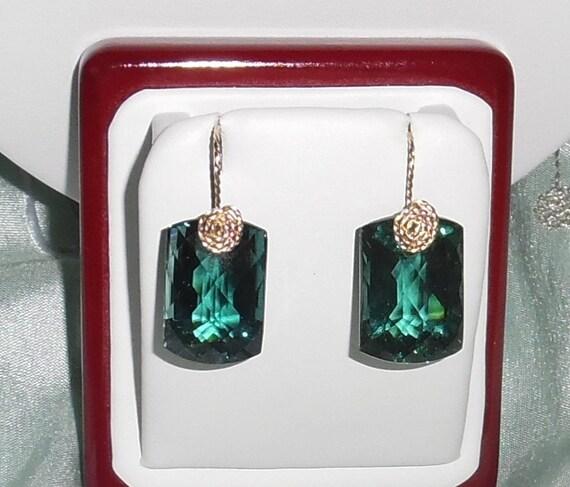 49 cts Cushion CKB Green Amethyst gemstones, 14kt yellow gold Pierced Earrings