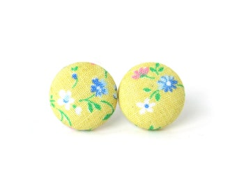 Small vintage style button earrings - yellow fabric earrings - summer floral stud earrings