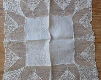 4 Deep Lace Edged Vintage Handkerchiefs Hankies Lot 5