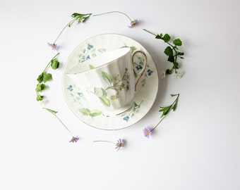 Vintage Wildflowers Floral Tea Cup and Saucer - Fine Bone China English TeaCup - Duchess Tea Party China - Hostess Housewarming Gift Idea