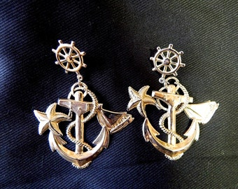Very large vintage 60's light gold metal anchor sailing boat starfish wheel bombshell pinup nautical pierced earrings