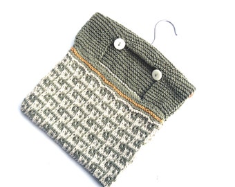 Pin Bag hand knit in cream and green ,  patterned wash bag  , laundry pin bag ,  hanging bag , baby tidy bag , OOAK