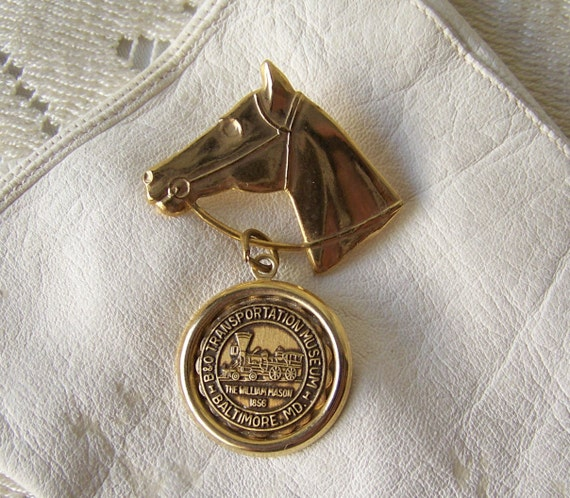 vintage horse head brooch souvenir b o train